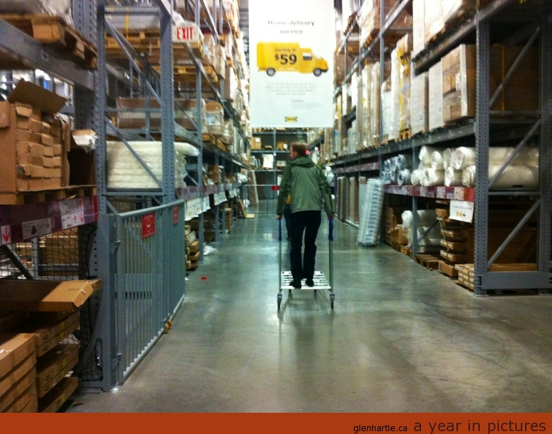 Speeding through Ikea, Louis takes a wrong turn at the Düken frames and is headed towards Nœrdlî