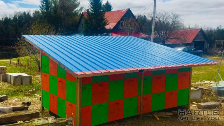 Ta-da!! Two more colours added to the Technicolour Dreamshed — and it has a snazzy roof now!